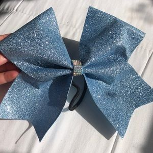💠light blue sparkly cheer bow💠